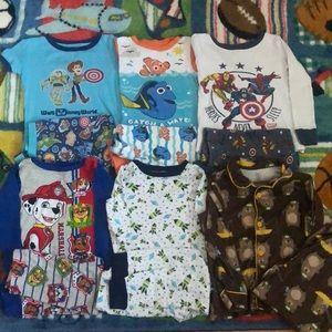 Boys 4T 6 pair pajamas